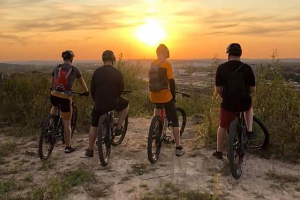 Ohjattu maastopyöräily yrityksille
